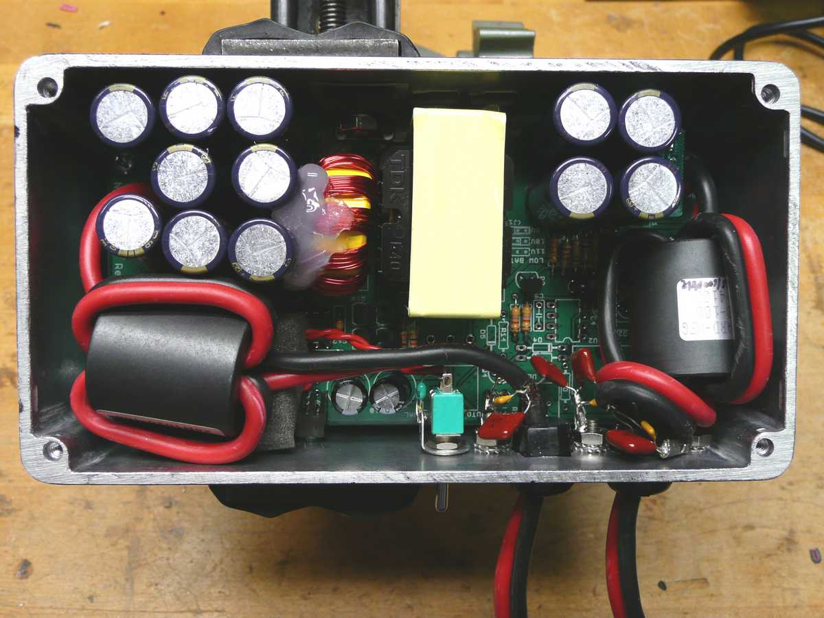 Battery regulator for solar power system